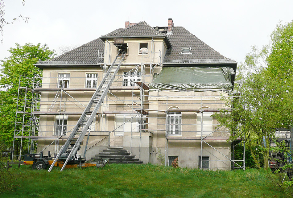 Thielalle_08_Villa_vorSanierung_P1020692